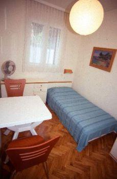 43_Sleepingroom2